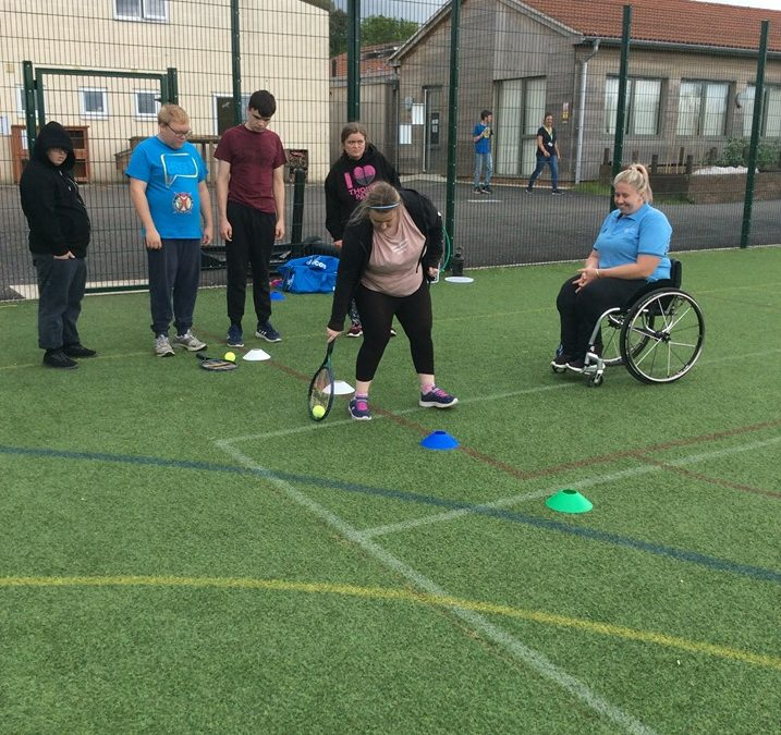 Paralympic tennis player Louise Hunt visits Fairfield Farm College!